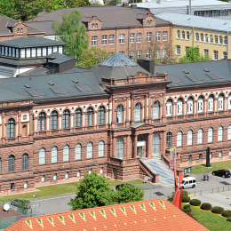 An aerial view of the Pfalzgalerie Kaiserslautern. You can see the front of the house.